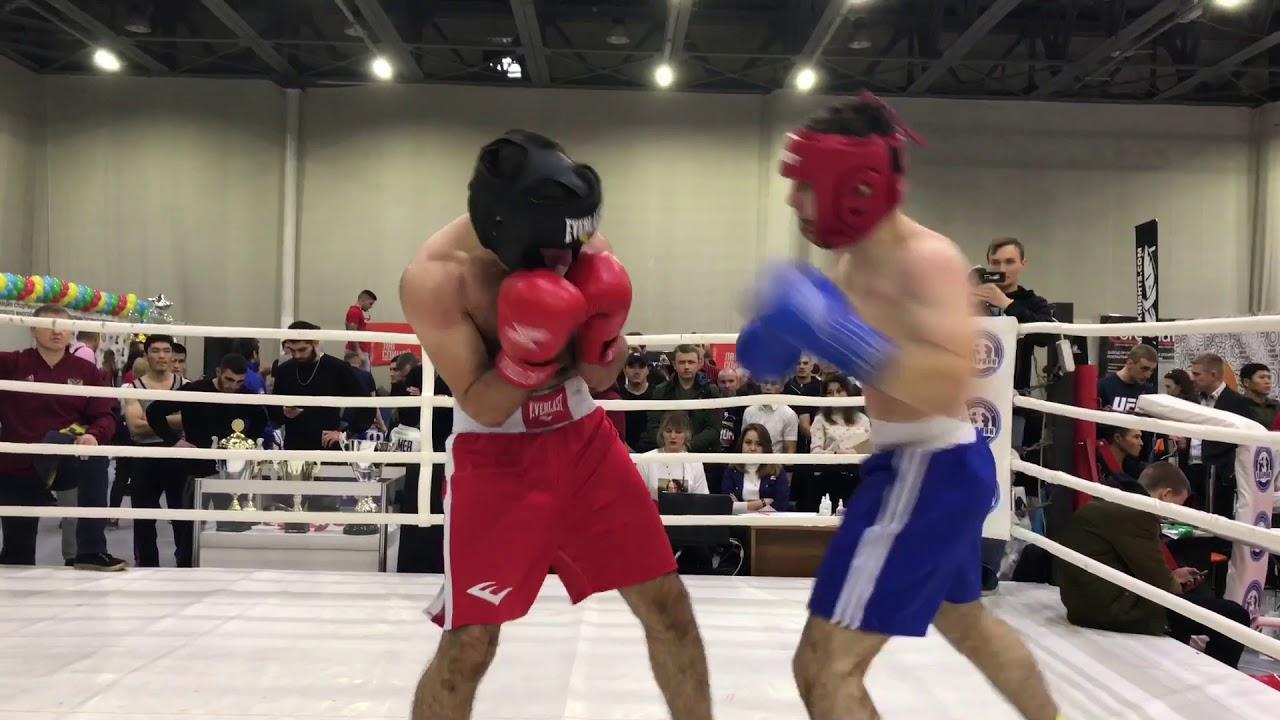 Давид Мнацаканян проиграл Полуфинале турнир легенд