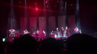 Смотреть видео Скриптонит и Шарлот исполнили песню: щека на щеку концерт 19.10.19 онлайн