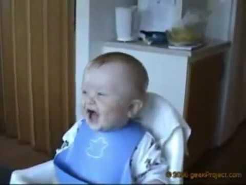 طفل يضحك من كل قلبه Youtube