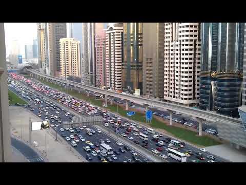 BEAUTIFUL VIEW OF DUBAI /TRAFFIC ALONG WITH SHEIKH ZAYED ROAD