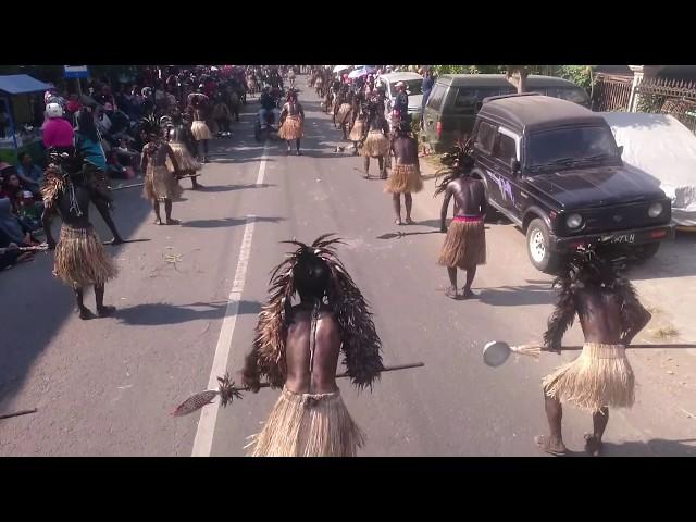 DAYAK ITEM Karnaval boyolangu 2018(1)