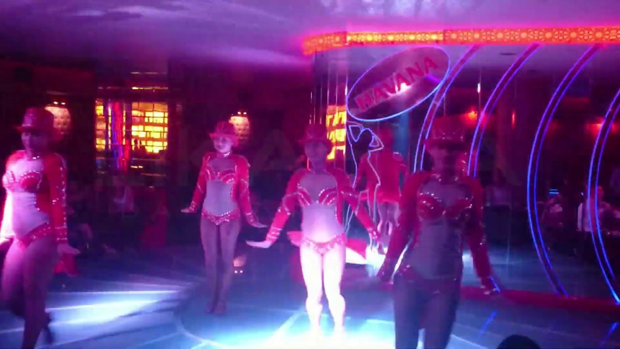 танцовщица в ночном клубе москва