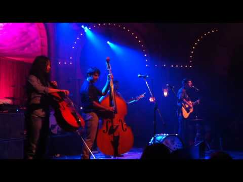 Avett Brothers - Swept Away (Live in...