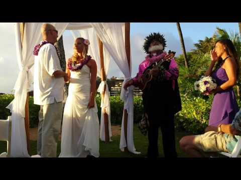 Kaanapali beach wedding with Lucky