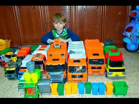 Мусоровозы Даниэль показывает коллекцию мусоровозов Daniel Shows A Collection Of Garbage Trucks