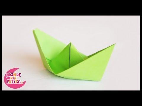Origami: le petit bateau en papier plié