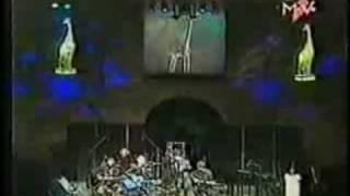 SCORPIONS White dove To Be no 1 live Awards Budapest 1999 thumbnail