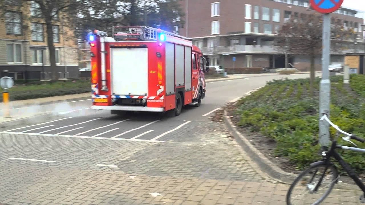PRIO 1 TS 10-5832 Met Spoed Naar Binnenbrand Bij ...