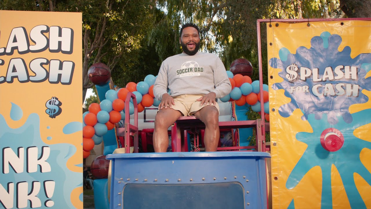 Download Dre Discovers the Joy of Giving Back - black-ish
