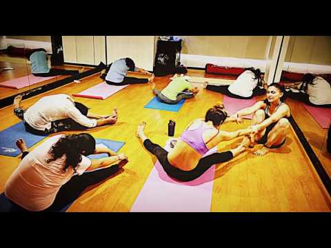 YOGA CLASS AT WAVES GYM LOKHANDWALA MUMBAI