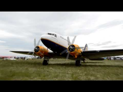 Icelandair Douglas C-47 (DC-3) startup and take off from Hella (good sound)