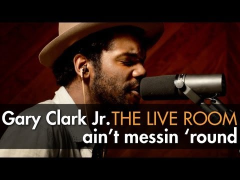 "Gary Clark Jr. - ""Ain't Messin 'Round"" Captured In The Live Room"