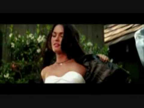 Megan Fox Changing Clothes Really Fast