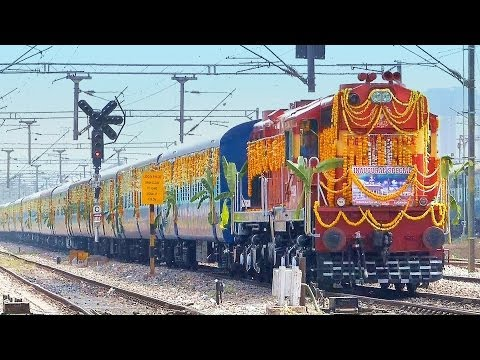 DECORATED LUCKNOW EXPRESS - INAUGURAL RUN Indian Railways 22683