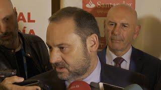 """Ábalos critica a PP y Cs por """"blanquear"""" a Vox tras los insultos"""