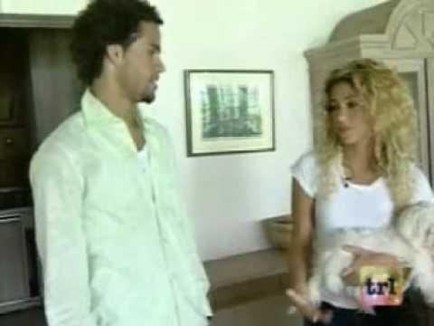 Shakira in The Bahamas (Nassau)