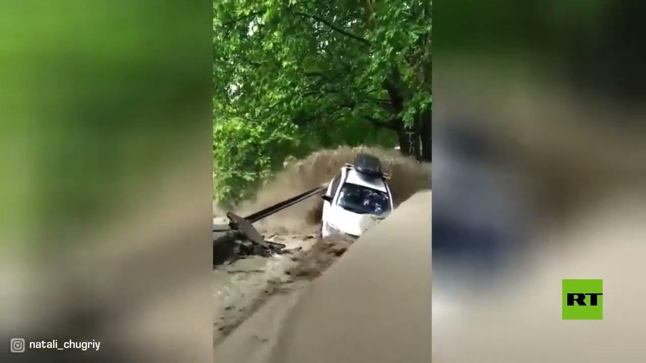 بعد كيرتش.. فيضانات تغمر مدينة يالطا الروسية  - نشر قبل 44 دقيقة