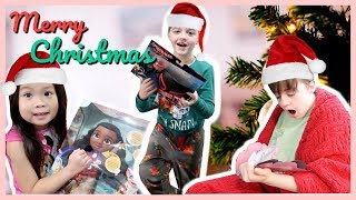 CHRISTMAS MORNING SPECIAL OPENING PRESENTS 2018!