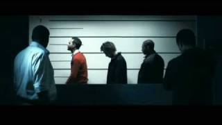 Play Movin' In Circles (Feat. Kivanc)