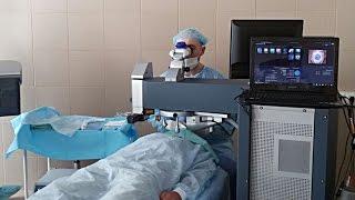видео Лазерная коррекция зрения двух глаз методом Lasik или.