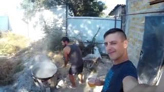 Стаут на пивоварне в Феодосии или как жарить ячмень(Жарим ячмень на открытом огне для будущего стаута. Таким образом мы получаем дымный привкус в конечном..., 2016-10-13T12:18:19.000Z)