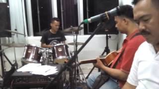 Angin Malam  Cover -broery  By red Trooper Band
