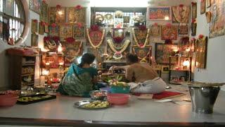 पूजा स्थान घर में कहाँ होना चाहिए | किस स्थान में पूजा घर/मंदिर नहीं होना चाहिए जानिए | Vastu  Tips