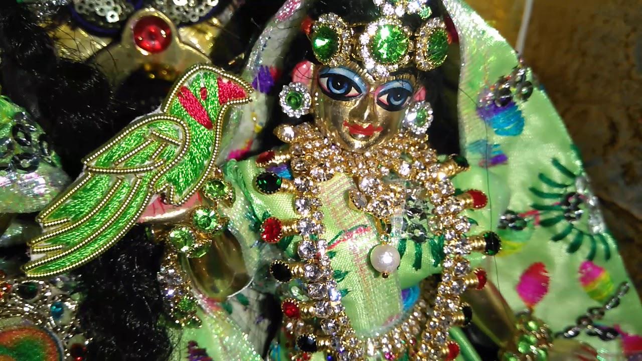 Radha Krishna ji ka Sawan par Hua Manmoha  Lene wala Singar,  small Radha krishna ji green Singar