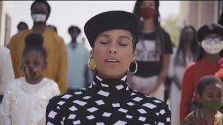 Alicia Keys sings Black National Anthem