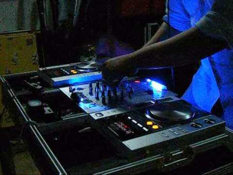 Dj sigur house music 2009 dj mixing pioneer cdj 200 for House music 2009