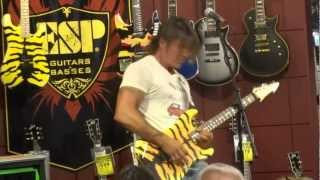 GEORGE LYNCH GUITAR PLAYING CLINIC INSTRUMENTAL MUSIC THOUSAND OAKS, CA 10/3/2012