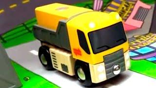 Видео про машинки: Правила дорожного движения. Детские песенки -  Песенка про машинки!(Развивающее видео для детей - Слушаем веселую песенку про машинки и учим правила дорожного движения! Машинк..., 2015-04-27T05:24:26.000Z)