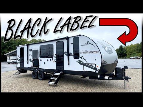 Super WEIRD & Fun Layout!! 2022 Cherokee 274BRB [Black Label Edition!]