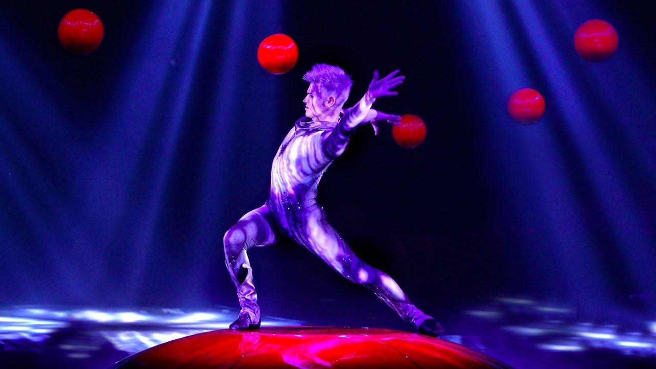 Viktor Moisejev <Horizontal Juggling>