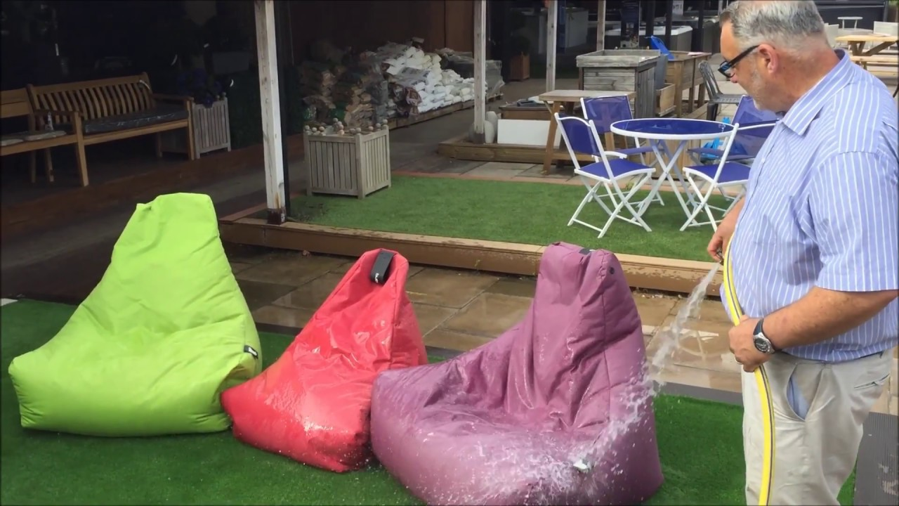 Lounge Sessel Extreme Lounging Extreme Lounging Outdoor Beanbags Are Designed To Get Wet
