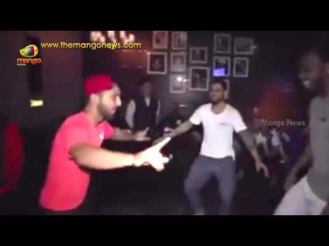 Virat kohli and Chris gayle Break into a Bhangra Routine After Reaching IPL final   Mango News