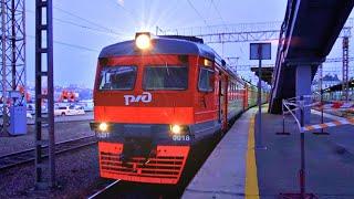 Railway. Сommuter EMU Train ED9T departs from Vladivostok / Электропоезд ЭД9Т. Владивосток