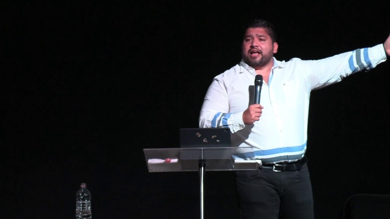 Pastor Roberto Conde - Avanza 1