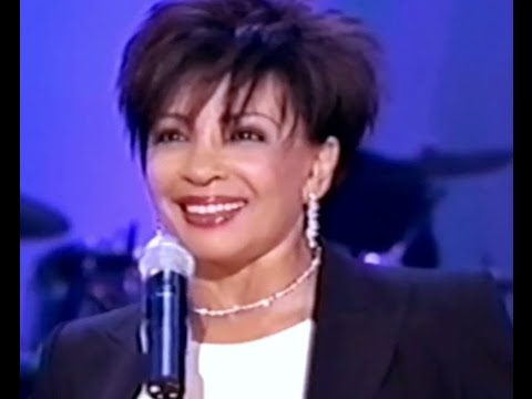 Shirley Bassey - Thank-You For The Years / Interview w/ Graham Norton (Pt 1) (2003 Live)