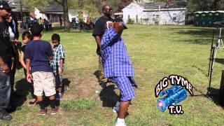 (Hilarious) No More Child Support - Man Does Victory Dance