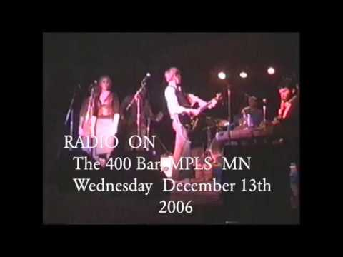 Complete Footage  Radio On @ The 400 Bar, Minneapolis MN     Wednesday  December  13th,  2006