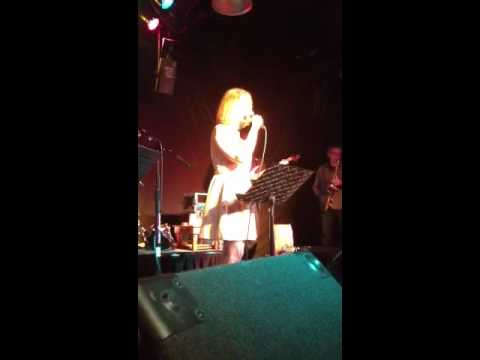 Rebecca Fogel sings the Animaniacs