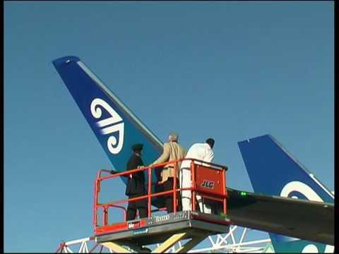 Boeing 767 gets Winglets New Zealand 2009.