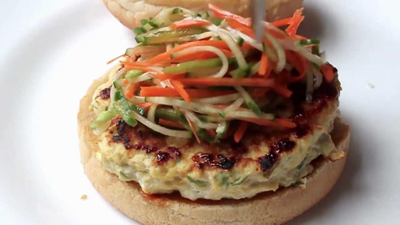 Chicken satay burger thai style chicken burger recipe youtube forumfinder Image collections