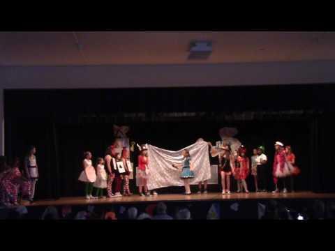 WRIS Drama Club's Alice in Wonderland Jr.