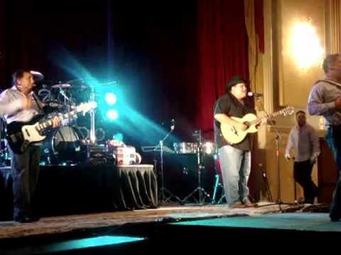 Los Chamacos y Juan Trevino en el Bajoquinto 2010