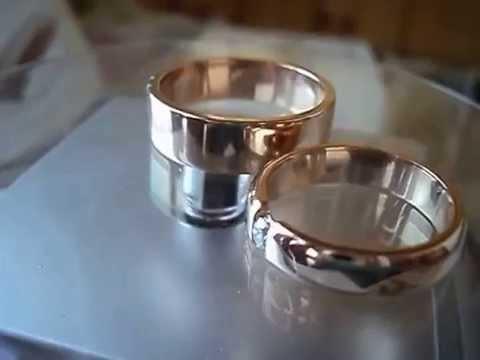Плоские обручальные кольца из жёлтого и белого золота 585 пробы классического дизайна