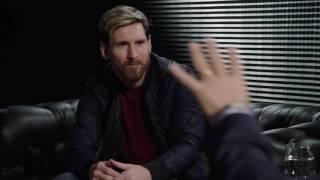 فيديو  رد فعل «ميسي» بعد سؤال «أديب» عن أدائه في «البلاي ستيشن»
