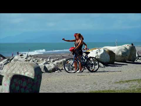 Hokitika - Beach, Arts and Crafts - West Coast, New Zealand