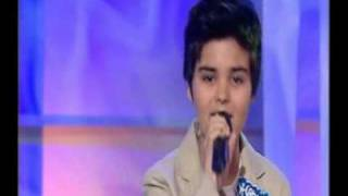 Abraham Mateo (11 años) Homenaje a Nino Bravo - Menuda La NIt  (Canal Nou)